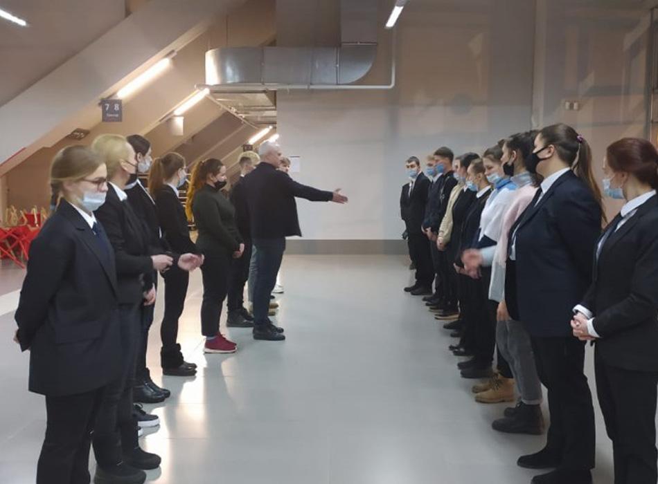 Тренинги и инструктажи операционного персонала перед спортивным мероприятием в КСК «Сибур Арена»